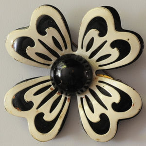 vintage white black tier enamel flower brooch pin